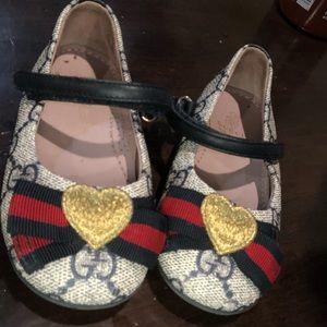 Gucci Shoes - Toddler Gucci Supreme ballet flat
